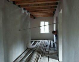 Штукатурка коттеджа машинным способом (внутри дома)